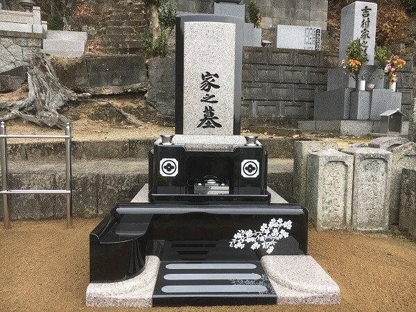 尾道市で洋墓の建立写真です